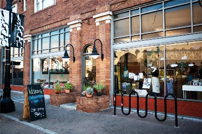 Road-Less-Traveled-Store-Downtown-Santa-Ana
